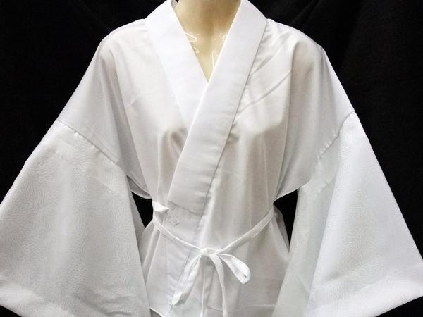 品質が良く、評判が良い《りんず白半襦袢》半衿付:M寸「日本製」