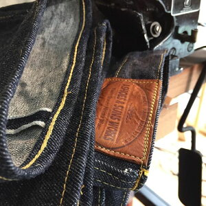 ASHOESREPAIRSERVICEチェーンステッチ裾上げユニオンスペシャル43200G綿糸を使用したアタリの出やすいヴィンテージ仕上げ(3.5cm以上カット)