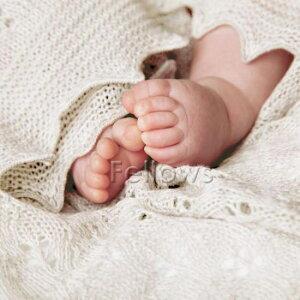 """【ラッピング無料送料無料】【出産祝い男の子女の子】G.H.HURT&SONジーエイチハートアンドサンベビーギフトセット""""キャット""""ショール・帽子・手袋の3点セット"""