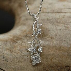 ローズカットダイヤ×ブリリアントカットダイヤモンドペンダントトップ「アルハンブラ」 誕生石 4月