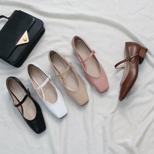 パンプス レディース フロントストラップ ローヒール 黒 ブラック ベージュ ホワイト ブラウン ピンク 婦人靴 痛くない 歩きやすい
