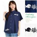 無地×ユーモラスな魚のワンポイント刺繍入りコットンブラウス/綿100% 半袖 襟付き 前ボタンf13-2