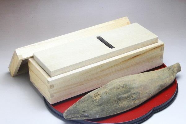 【ふるさと納税】a15-053 鰹本枯節1本と桐製鰹節削り器「けずりっ子」