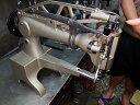 各メーカー八方ミシン押さえ上げ装置 SSM- DI-2971N型 1組 この装置を取り付けることにより、両手を縫製物に添えて縫製ができるように…