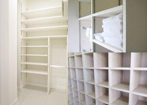 カラー棚板使用例のクローゼット・本棚