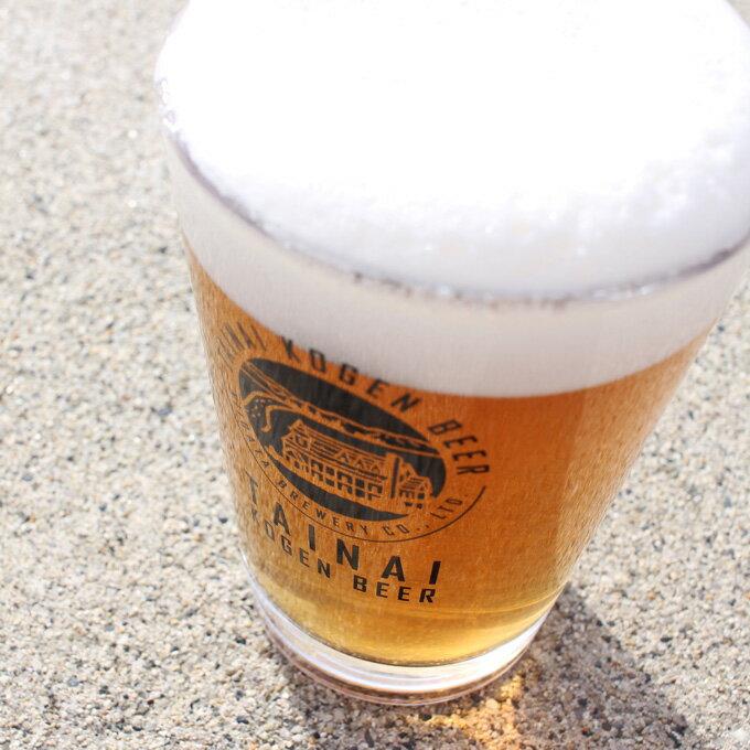 注いだビール