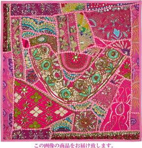 【インド直輸入】古布パッチワーク タペストリー 正方形 60cmx60cm ピンクA ピンク色系 ラジャスタン ジャイプル PTA-0143