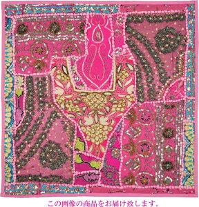 【インド直輸入】古布パッチワーク タペストリー 正方形 60cmx60cm ピンクA ピンク色系 ラジャスタン ジャイプル PTA-0145
