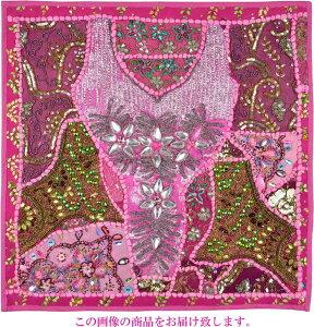 【インド直輸入】古布パッチワーク タペストリー 正方形 60cmx60cm ピンクB ピンク色系 ラジャスタン ジャイプル PTA-0152