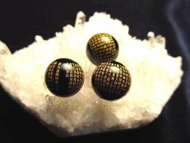 極上微細金塗り彫刻 般若心経彫りビーズ オニキスお経彫りビーズ石 天然石 サイズ:約12mm 金文字の映える黒