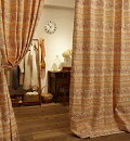 お部屋で季節を感じ取る「秋カーテン」オレンジ色・茶色のおすすめは?