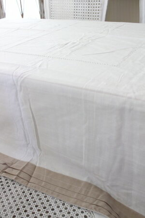 フランスから届くフレンチリネン(テーブルクロス160×250cmナプキン付き(ホワイト×ベージュ))【BlancdeParis】テーブルクロス麻モノグラム刺繍シャビーシックアンティーク風フレンチカントリーフランス
