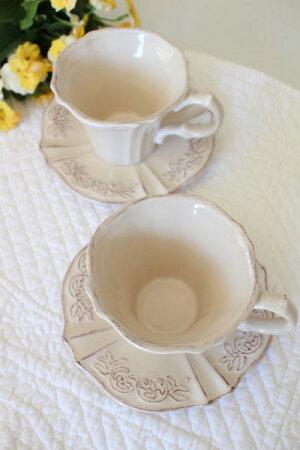 フレンチカントリーなピンクベージュの食器【ペッシュシリーズカップ&ソーサーC&S】アンティーク風陶器