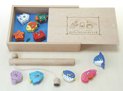木のおもちゃ 赤ちゃん たいりょう魚つりセット〈箱付〉(ゲーム)[名入れOK] 【木の玩具 木製玩具 あかちゃん】【コンビニ受取対応商品】
