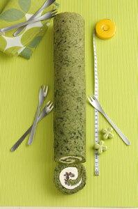 【送料無料】よもぎロールケーキ38cm(冷凍にて配送) 新食感!新潟県産コシヒカリの米粉で作りました。粘りともちもち感がたまりません♪38cmのロングサイズでパーティーやプレゼントに