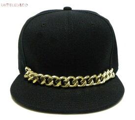 UNTITLED & CO (アンタイトル アンド シーオー) SEMI PRECIOUS SNAPBACK CAP (BLACK) [6パネル キャップ スナップバックキャップ ベースボールキャップ チェーン メンズ ユニセックス 帽子] [ブラック/ゴールド]