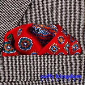 スーツ オシャレ 飾る 高級シルク 100% ポケットチーフ ◆ オールレッド 4パターン デザイン お洒落 ポケットチーフ ◆ 【 スーツ フォーマル 男女 祝 おしゃれ かわいい 結婚式 カジュアル 人気 プレゼント ギフト 入園式 入学式 成人式 】
