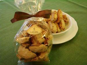 カントゥッチ ビスコッティー l イタリア 焼き菓子 クッキー 堅焼き菓子 無添加 お取り寄せスイーツ お取り寄せ 贈り物 ギフト ご褒美 おやつ お菓子 洋菓子 イタリアン イタリアのお菓子 堅