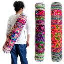 モン族刺繍ヨガマットバッグ モン族(ミャオ族)のカラフルでポップな刺繍布を使ったリメイクバッグ トートバッグ ショルダーバッグ 少…