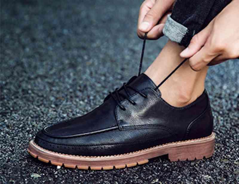 ウォーキングシューズ 革靴 軽量 春 e 夏 ブーツ 軽い スニーカー 冬 cm メンズ ビジネス 秋 黒 レザーシューズ 予約商品