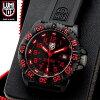 給予融合在LUMINOX Lumi敲門3065 RED NAVY SEALs COLOR MARK SERIES手錶本來的堅固的軍事規格和歐洲的時裝傾向鮮明,染色的型號