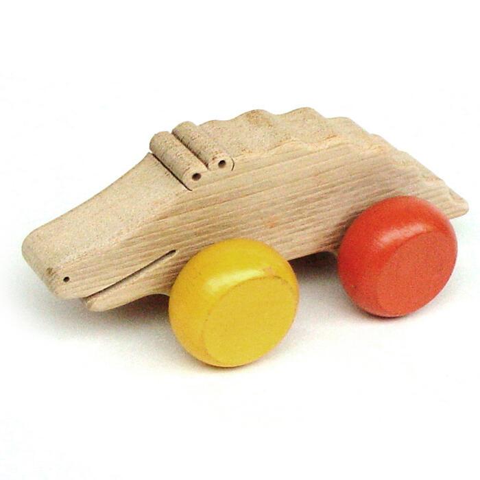 【名入れ可】●人のよいワニ 押しぐるま 愉快で楽しい 木のおもちゃ 車 日本製 押し車 カタカタ 知育玩具 誕生祝い 赤ちゃん おもちゃ 6ヶ月 1歳 2歳 3歳 誕生日ギフト 出産祝いにお薦め♪男の子 女の子 木工職人手作り親子 木育 家族 マッサージ 背中コロコロ