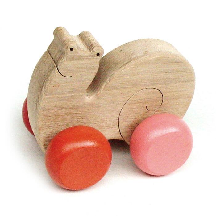 【名入れ可】●かたつむり 押しぐるま 木のおもちゃ 車 日本製 押し車 カタカタ 知育玩具 誕生祝い 赤ちゃん おもちゃ おしぐるま 6ヶ月 1歳 2歳 3歳 誕生日ギフト 出産祝いにお薦め♪ 男の子 女の子 木工職人手作り 親子 木育 家族 背中マッサージ