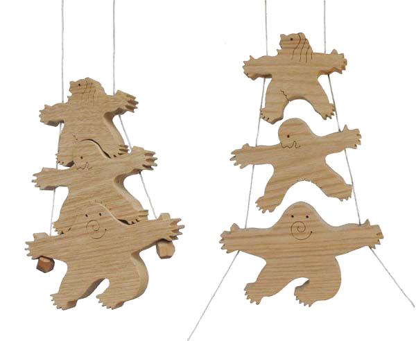【名入れ可】●三兄弟 (木のおもちゃ 昇り人形 知育玩具 ) 日本製 6ヶ月 7ヶ月 8ヶ月 9ヶ月 10ヶ月 1歳 2歳 3歳 誕生日ギフト 誕生祝い 出産祝いにお薦め♪ 赤ちゃん おもちゃ 男の子 女の子 紐通し がらがら ラトル 親子 木育 家族 ■ Wooden Toys