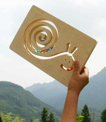 ビー玉でんでん虫木のおもちゃ出産祝い名入れギフト日本製おしゃぶり赤ちゃんおもちゃ銀河工房人形