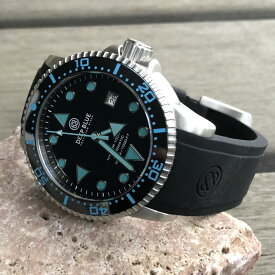 DEEP BLUE(ディープブルー)ダイバーズウォッチ MASTER 1000 II 44MM 330M/30気圧防水 SEIKO 自動巻きムーブメント セラミックべセル ブルーインデックス ブラックダイヤル m1k2arbl 腕時計