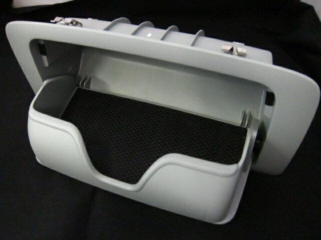 アウトランダー サングラスホルダー 7200B249HA 三菱純正部品