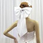 ビッグリボン(オフホワイト)ウェディングヘッドドレスウエディングドレスアレンジバックリボン髪飾り結婚式パーティー成人式ヘアクリップとピン付きブライダル小物(cs2505-T)