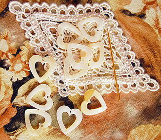 Thread ring ten set heart mother of pearl of the yellow lip pearl shell convenient for assortment, rearranging of the embroidery thread