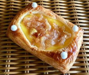 【りんご&安納芋クリーム】安納芋のクリームに自家製りんごジャムを使用したデニッシュパン