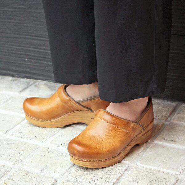 【予約】【9月入荷予定】【2018秋冬】dansko/ダンスコ Professional Womans プロフェッショナル Honey Distressed ハニーブラウン 踵有りコンフォートクロッグス|サボ|サンダル|ground|靴|