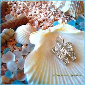Hawaiian Jewelry Pendant Top 【W】 Hawaii-14/ハワイアンジュエリー イニシャルペンダントトップ『W』 Hawaii-14