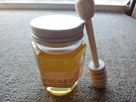 大変珍しい栗ハチミツ!!甘さ控えめ ビターな味の蜂蜜で木製サーバーセットです。内容量170g