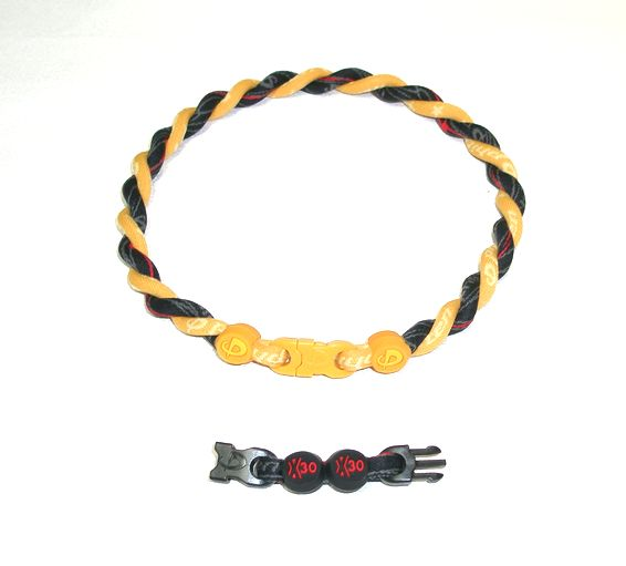 ファイテン Titanium Necklace(チタンネックレス) ゴールド×RAKUWAネック X30 (モノブラック/R))仕上がり約40cm(アジャスター約5cmつき)