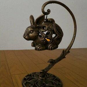 アイアン置物 オブジェ LED うさぎ キャンドルランタン キャンドルスタンド キャンドルホルダー ろうそく立て 蝋燭立て お香 灯り LED付きアイアンウサギのランタン