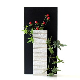 花瓶 フラワーベース ガラス 一輪挿し おしゃれ モダン シンプル 花器 玄関 インテリア アルミとガラスのウッドフレームベース