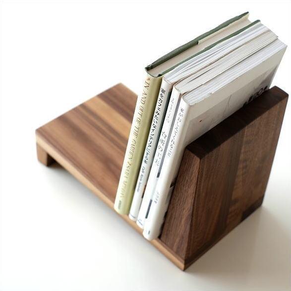 ブックスタンド 木製 天然木 ウォールナット 本立て シンプル ナチュラル 木 無垢材 卓上 机上 デスク リビング 斜め おしゃれ スタイリッシュ モダン デザイン ブックスタンド ウォルナット