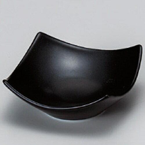 小鉢 【黒マット四方上り豆皿】 幅73mm×奥行73mm×高さ30mm【業務用】【グループB】