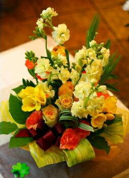 バレンタイン 御祝 開店祝い プレゼント おまかせ 黄色オレンジ系フラワーアレンジメント 花 人気ランキング 花ギフト 花束 結婚記念日 (就任 送別 誕生日 などにも) バラ 就任 送別 39