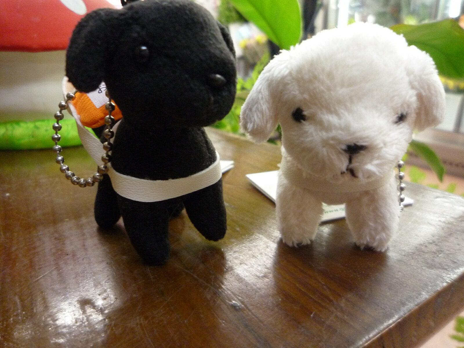 盲導犬ストラップ ブラックラブorイエローラブ お仕事中のかわいいキーホルダー