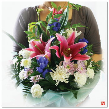 お盆に帰れないあなたへ…。ふるさとのご先祖様へお花を贈りませんか?