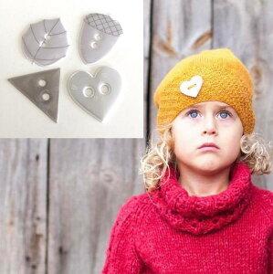 ボタン型 リフレクター 2個入 Premiun 4種 (葉っぱ・どんぐり・ハート・トライアングル) 光るボタン アクセサリー ワンポイント ハンドメイド シンプル 圧倒的存在感 キッズ 上着 帽子 バッグ