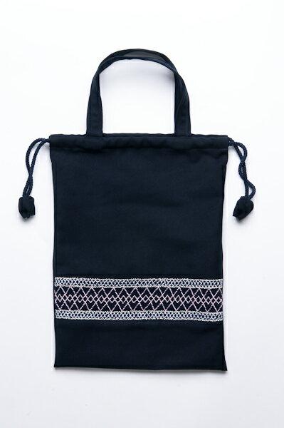 紺色布製 巾着バッグ 手刺繍スモッキング【ライン柄】日本製