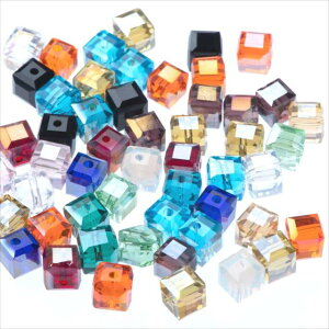キューブ型 ガラスビーズ 6mm 30個セット 四角 正方形 サイコロ カット サンキャッチャー アクセサリー パーツ オーロラ AB レインボー 虹色 ビーズ 透明 クリアー スケルトン ガラス玉 とんぼ