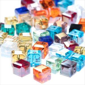 キューブ型 ガラスビーズ 8mm ミックス 50個セット 14カラー アソート 四角 正方形 スクエア パーツ オーロラ 透明 サイコロ 硝子 穴有り 穴開き ガラス玉 カット ピアス ネックレス イヤリング
