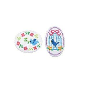 刺繍キット トリとクローバー(白) くるみボタン風ブローチ オリムパス No.9065